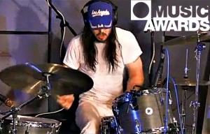 Andrew WK drumming